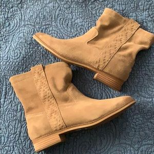 TOMS Laurel Suede Booties 8.5 NWOB